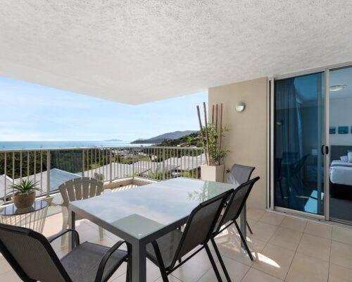 Airlie-beach-apartment-15 (15)