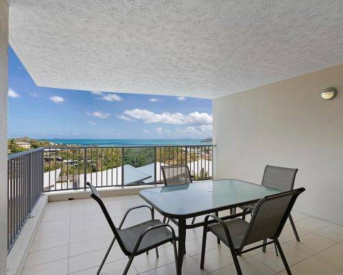 whitsunday-airlie-beach-resort-2-bedroom-apartments-unit-14 (4)