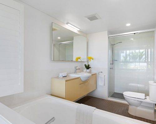 whitsunday-airlie-beach-resort-2-bedroom-apartments-unit-2 (1)