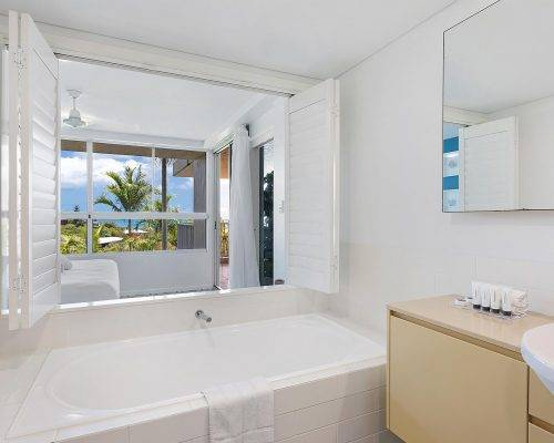 whitsunday-airlie-beach-resort-2-bedroom-apartments-unit-2 (3)