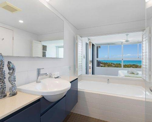 whitsunday-airlie-beach-resort-2-bedroom-apartments-unit-23 (3)
