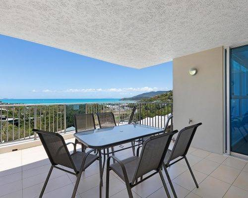 whitsunday-airlie-beach-resort-2-bedroom-apartments-unit-23 (30)