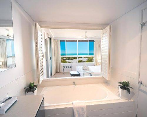 whitsunday-airlie-beach-resort-2-bedroom-apartments-unit-3 (2)