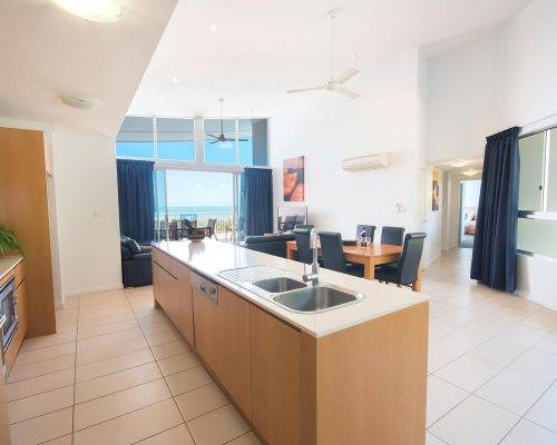 whitsunday-airlie-beach-resort-3-bedroom-apartments-unit-30 (1)