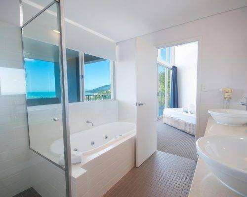 whitsunday-airlie-beach-resort-3-bedroom-apartments-unit-30 (6)